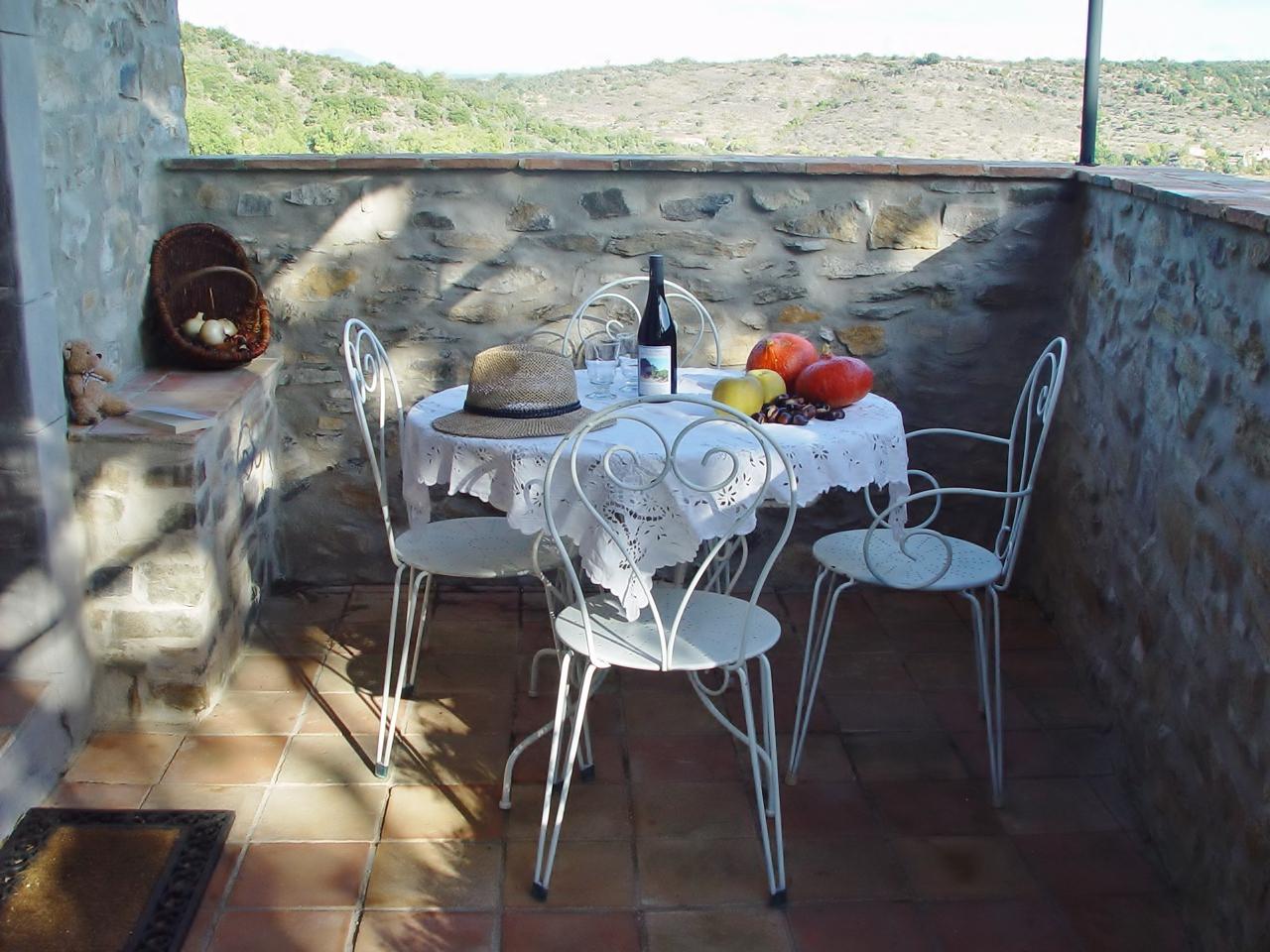 table d'automne sur la terrasse